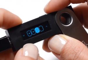 Ledger NanoS PINコード
